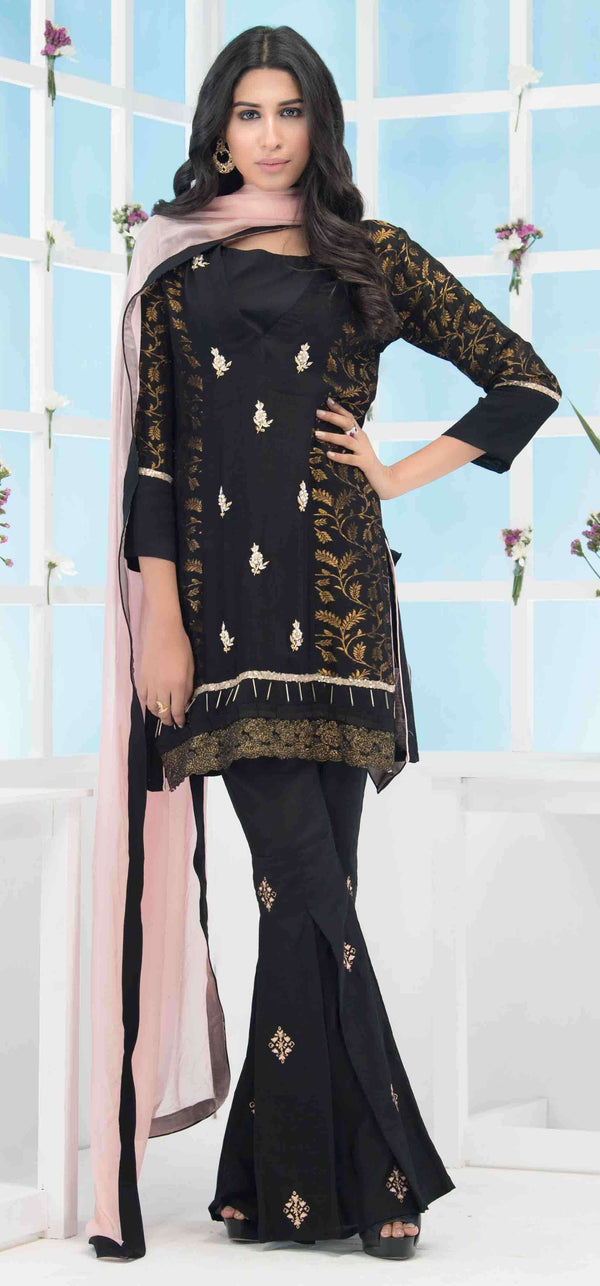 Luxury Pret, Pakistani Fashion Designer ROYAL ELEGANCE - Phatyma Khan
