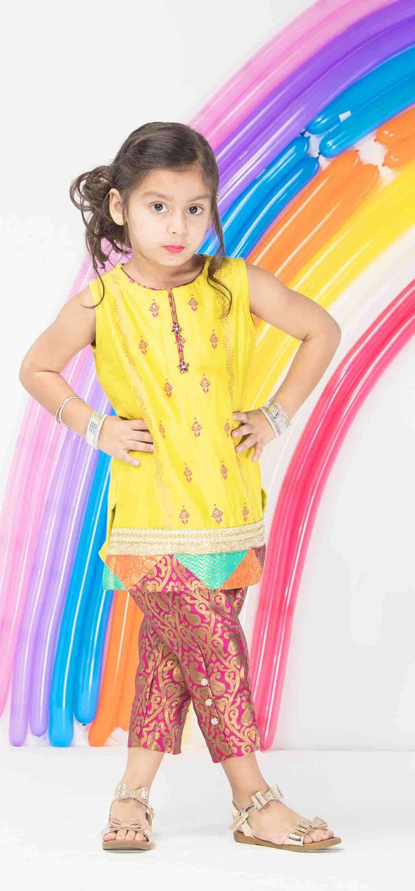 DHANNI CHATAPATI-Phatyma Khan-[Luxury_Pret]-[Pakistani_Fashion_Desginer]-[Women_Fashion_Brand]