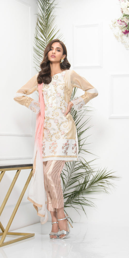 Luxury Pret, Pakistani Fashion Designer DAISY WHITE - Phatyma Khan