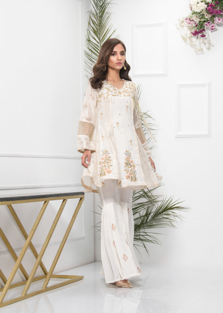 LILY WHITE GOLD-Phatyma Khan-[Luxury_Pret]-[Pakistani_Fashion_Desginer]-[Women_Fashion_Brand]