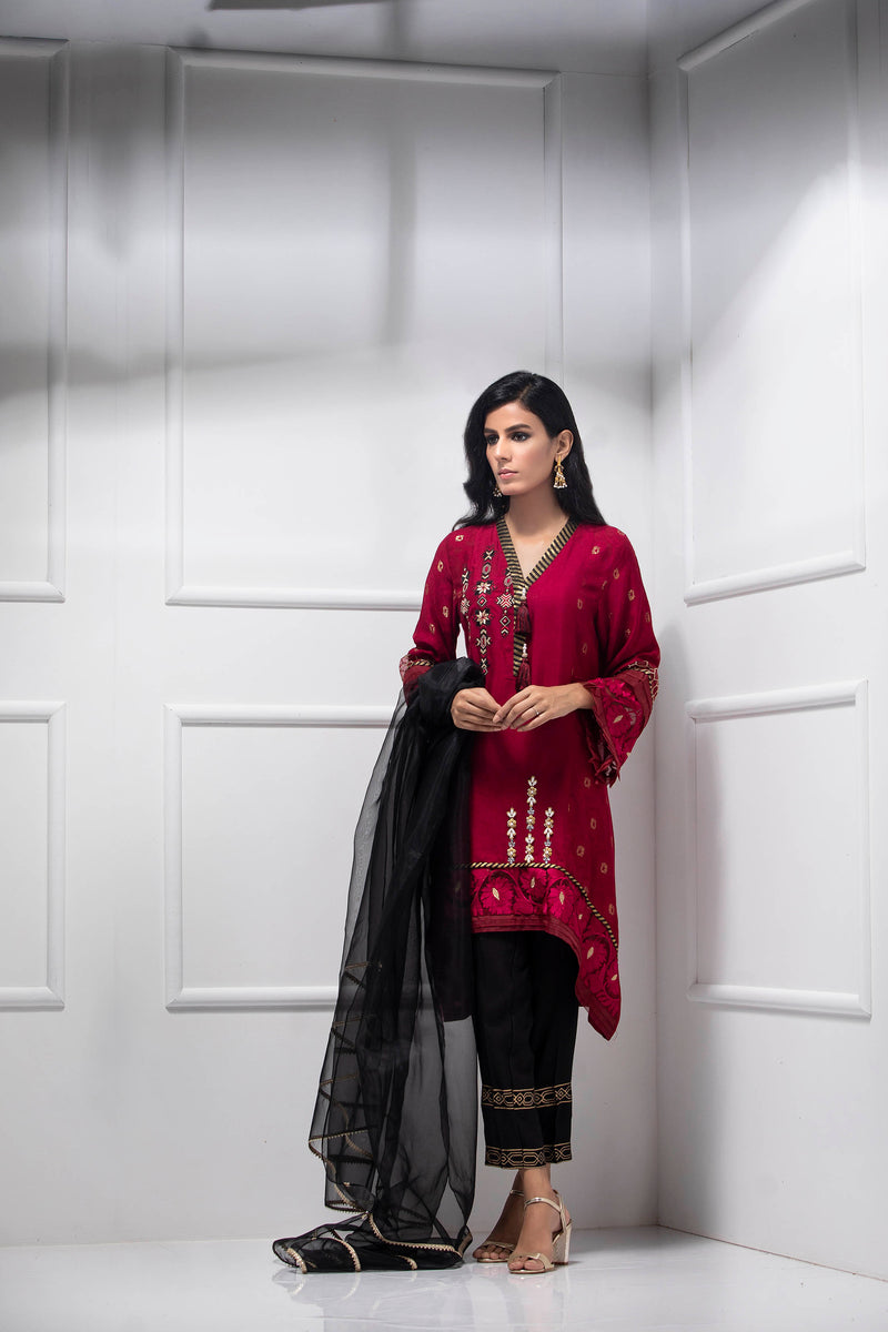 CARDINAL RED - Ready To Deliver-Phatyma Khan-[Luxury_Pret]-[Pakistani_Fashion_Desginer]-[Women_Fashion_Brand]