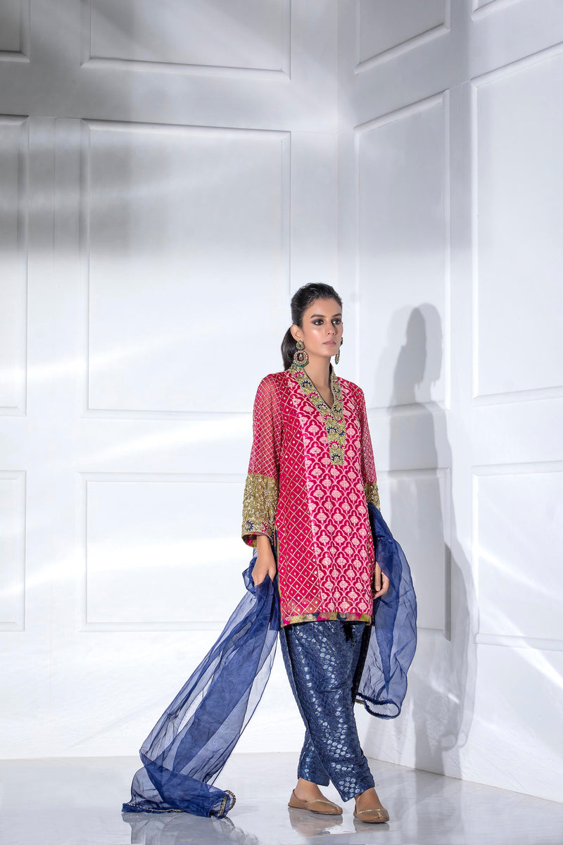 Luxury Pret, Pakistani Fashion Designer FESTIVE PINK - Phatyma Khan