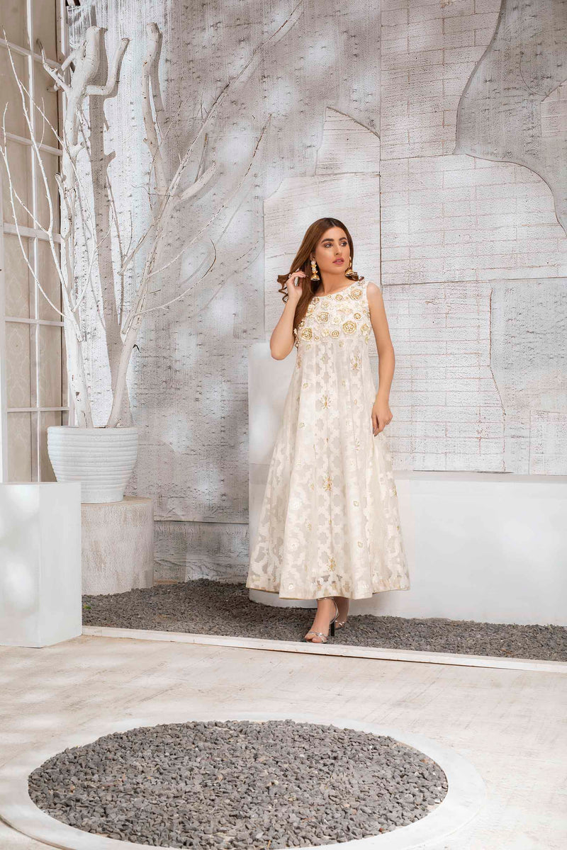 Luxury Pret, Pakistani Fashion Designer LUXURIOUS WHITE - Phatyma Khan