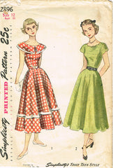 1940s Original Vintage Simplicity Sewing Pattern 2896 Truly Teen Dress Size 30 B