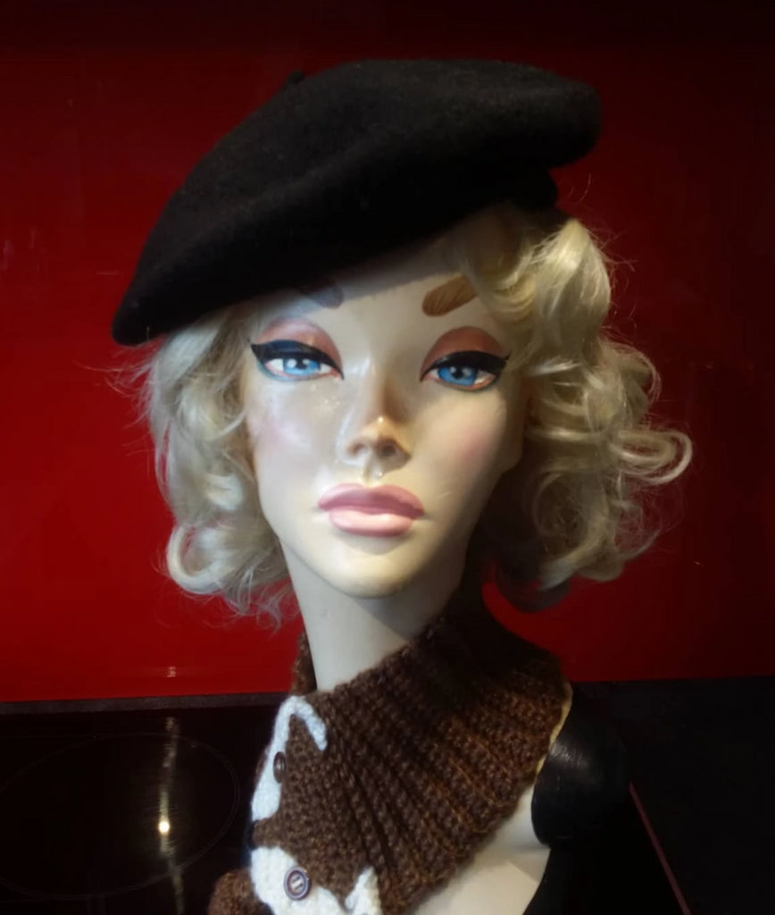 Soft Acrylic Wool Beret in Black