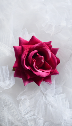 Medium Velvet Rose Pin Up Hair Clip in Magenta