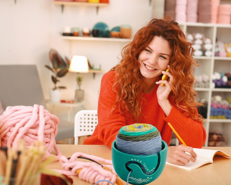 Yarn Bowl for Knitting and Crochet - Handmade with Eco-Friendly Ceramic Material (TURQUOISE)