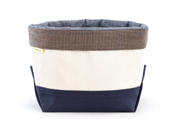 Canvas pet toy organizing bin with taupe houndstooth trim — classic style inspired by boat totes | oxforddogma.com