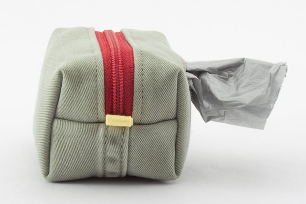 Road Trip Leash Pouch in khaki and red | oxforddogma.com