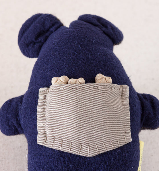 Hiding treats in the Pocket Critter Dog Toy provides interactive fun and a mental challenge for your dog | oxforddogma.com