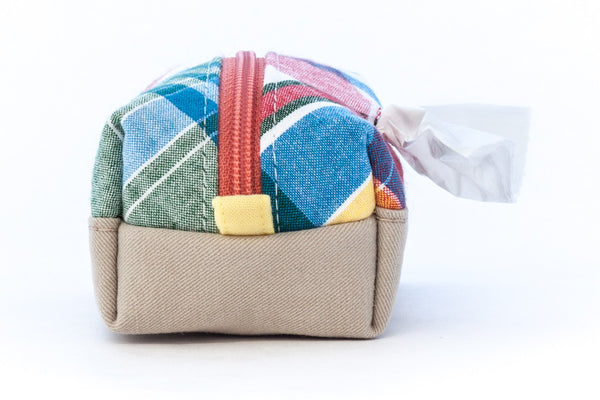 Pull out a bag for cleaning up after your dog with this handcrafted Madras plaid colorblock clip-on bag dispenser | oxforddogma.com