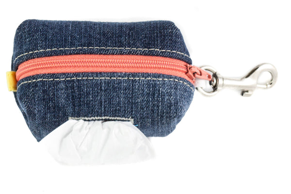 Be prepared on the go with a handcrafted stylish and refined clip-on poo bag dispenser | oxforddogma.com