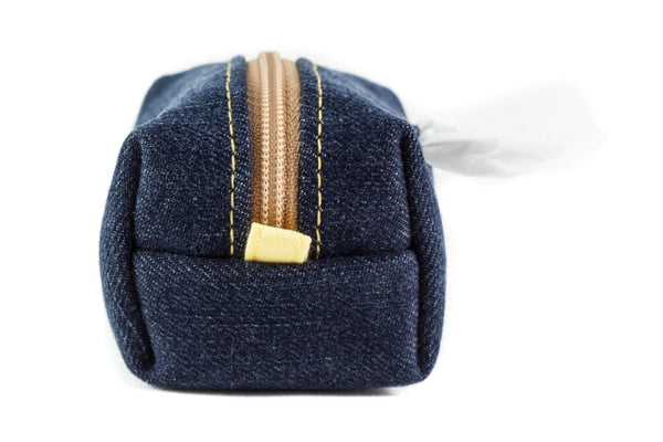 Pull out a bag for cleaning up after your dog with this handcrafted upcycled denim clip-on bag dispenser | oxforddogma.com