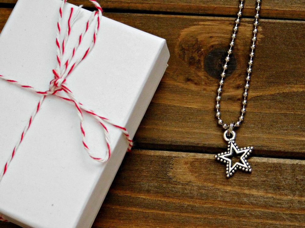 Star Necklace Christmas Star Silver Pendant Custom Length Necklace Boho Teen Womens Layering Necklace Birthday Holiday Gift Valentines Mom