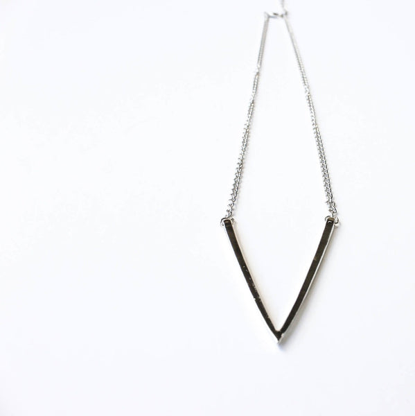 V Necklace | Silver - Fleur and Felix - 1