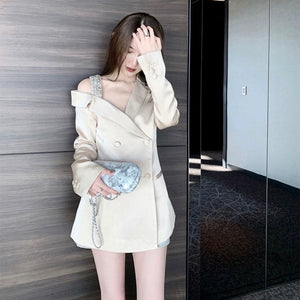 TOP / JACKET / DRESS