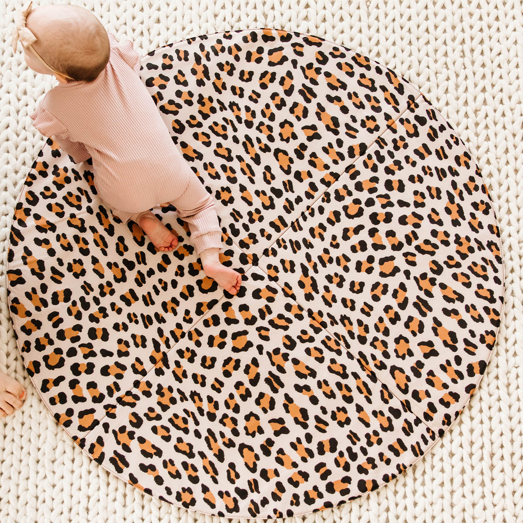 Cognac Reversible Playmat in Leopard