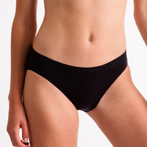 'SILKY' BRAND INVISIBLE SEAMLESS HIGH CUT BRIEF Dancewear Silky Black Age 3-5
