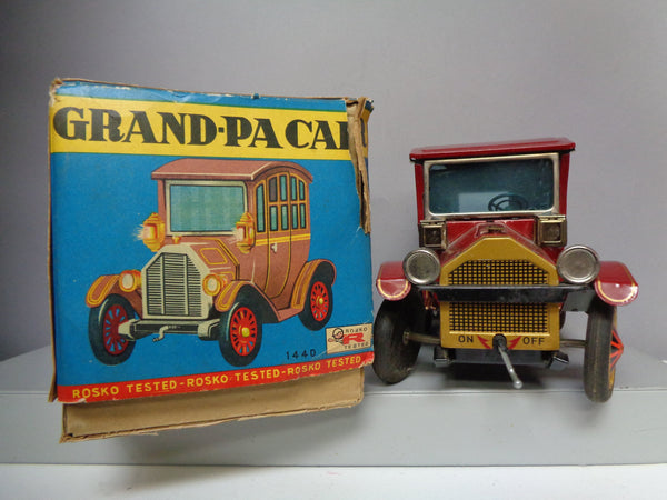 A Gem! GRANDPA CAR, 1440,Battery Operated,Tin litho Toy Car,1960s Made in JAPAN by Rosko,Antique Automobile