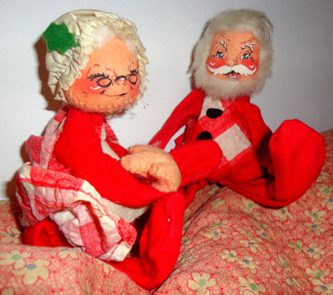 Vintage ANNALEE Santa Claus & Mrs Claus CHRISTMAS Couple