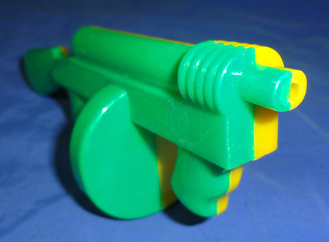 Dime Store Plastic Toy TOMMY GUN Yellow & Green clicker noisemaker 50s 60s Made in USA Lional