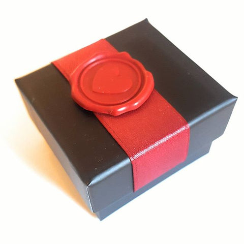 mariasalvador.it seal red heart fabric ceralacca rossa cuore packaging pacchetto