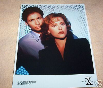 The X Files Mulder and Scully Backdrop Screen 8x10 Promo Photo