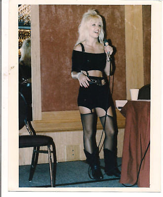 Linnea Quigley Scream Queen Stage 8x10 Color Photo