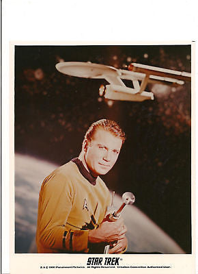 CAPTAIN KIRK WITH WEAPON PROMOTIONAL SERIES PHOTO  RARE
