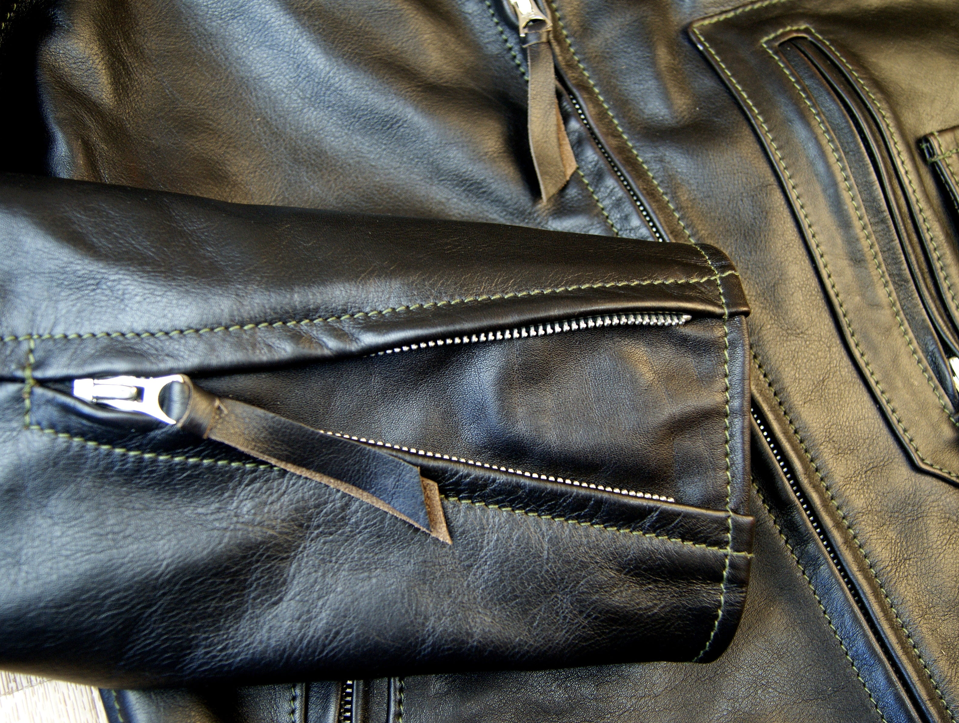 Aero D-Pocket Ridley, size 44, Blackened Brown Vicenza Horsehide