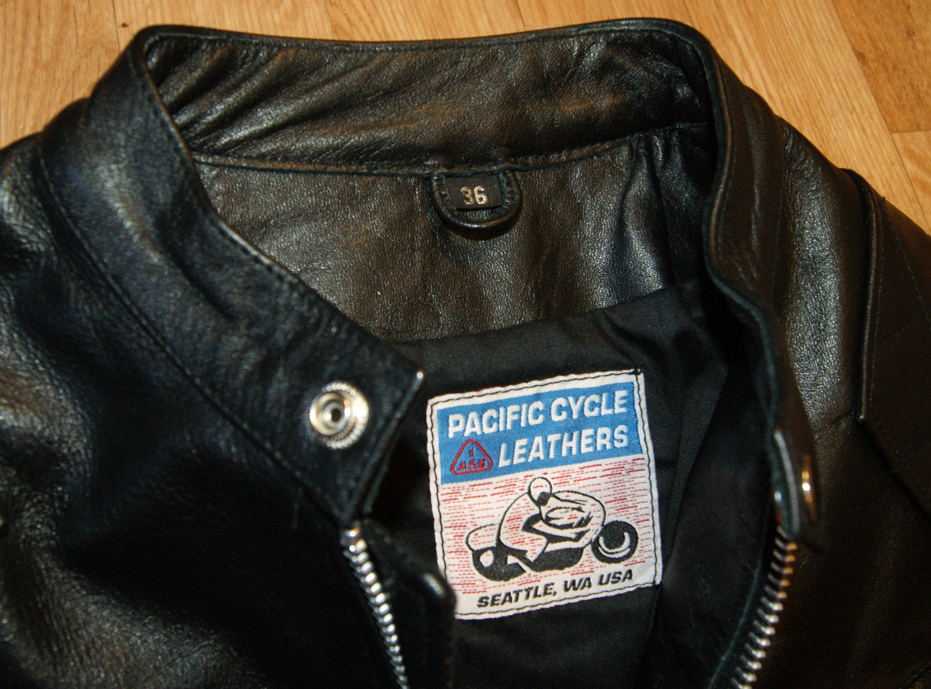 Pacific Cycle British Racer, size 36, Black Buffalo
