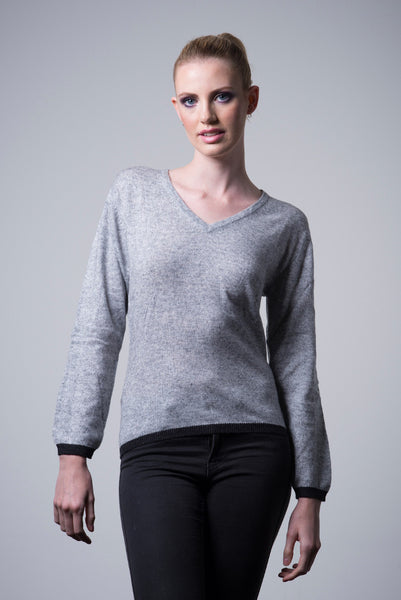 Cashmere Border Sweater - light grey - last minute gift idea