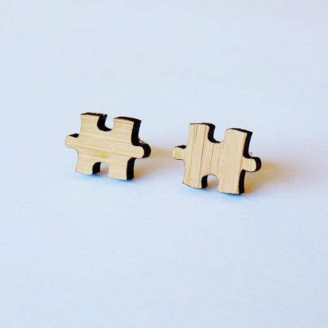 one-happy-leaf-puzzle-earrings-bamboo