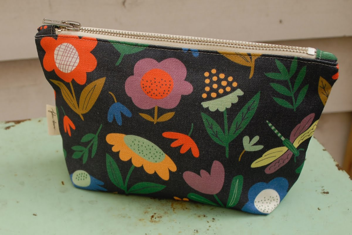 Meadow Zip Purse - Pookipoiga