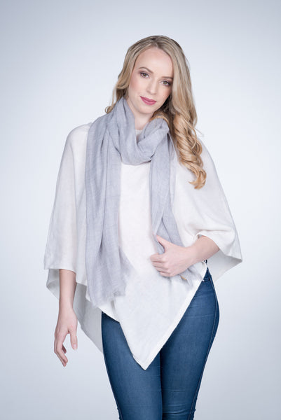 Nine-Yaks-fine-cashmere-stole-Light-grey