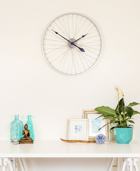 Bicycle-wheel-clock-tread-and-pedals-recycled-bicycle-parts-Melbourne-brunswick