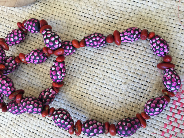 Central-Australian-seed-necklace-indigenous-art-karrke-quandong-ethical-jewellery