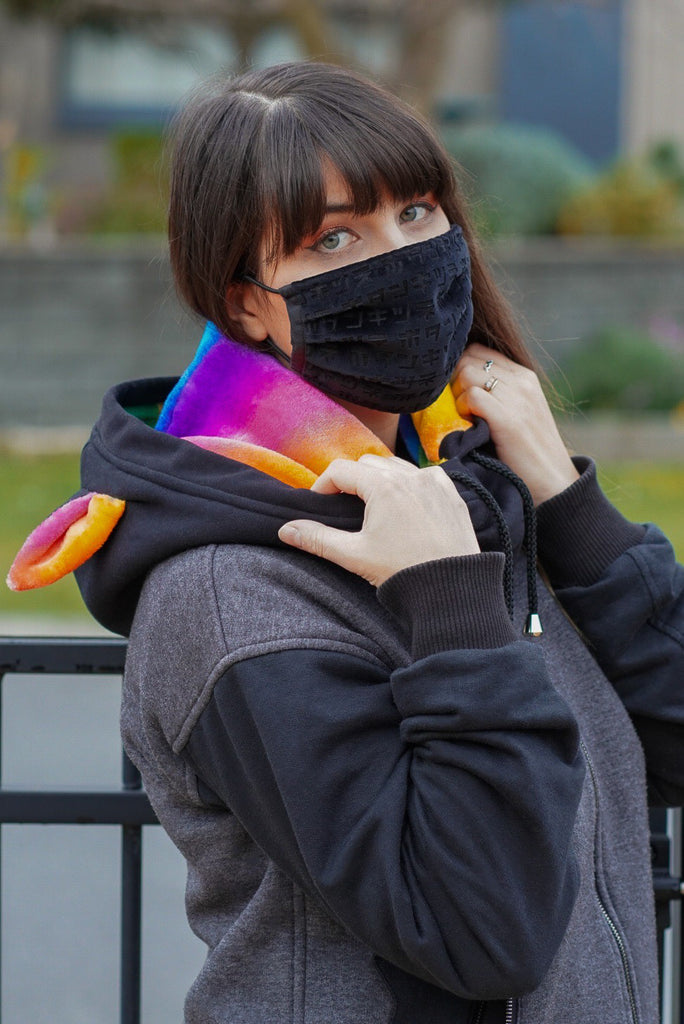 Pride Neck Warmer 虹色 - Button Fox ボタン狐