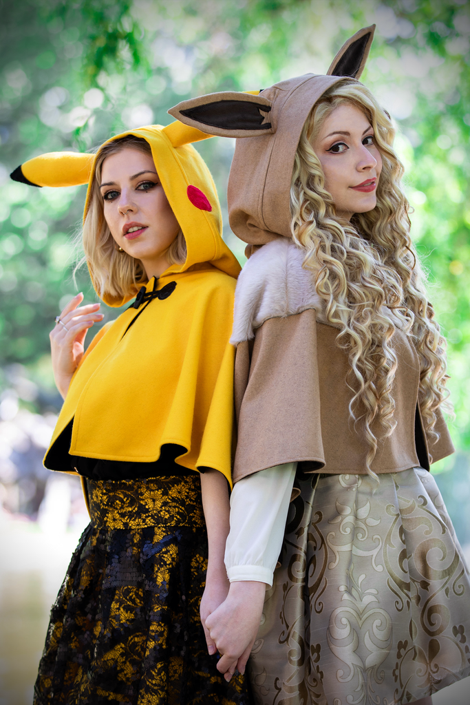 Eevee & Pikachu Capelet - Button Fox ボタン狐