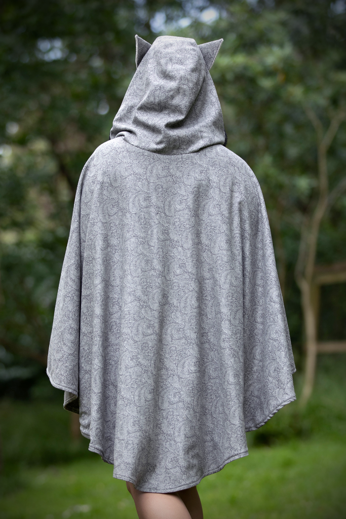 Long Fox Cape グレー - Button Fox ボタン狐