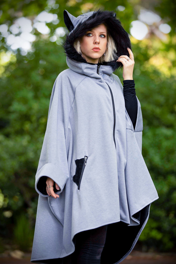 Glider Cape (LTGRY&BLCK) - Button Fox