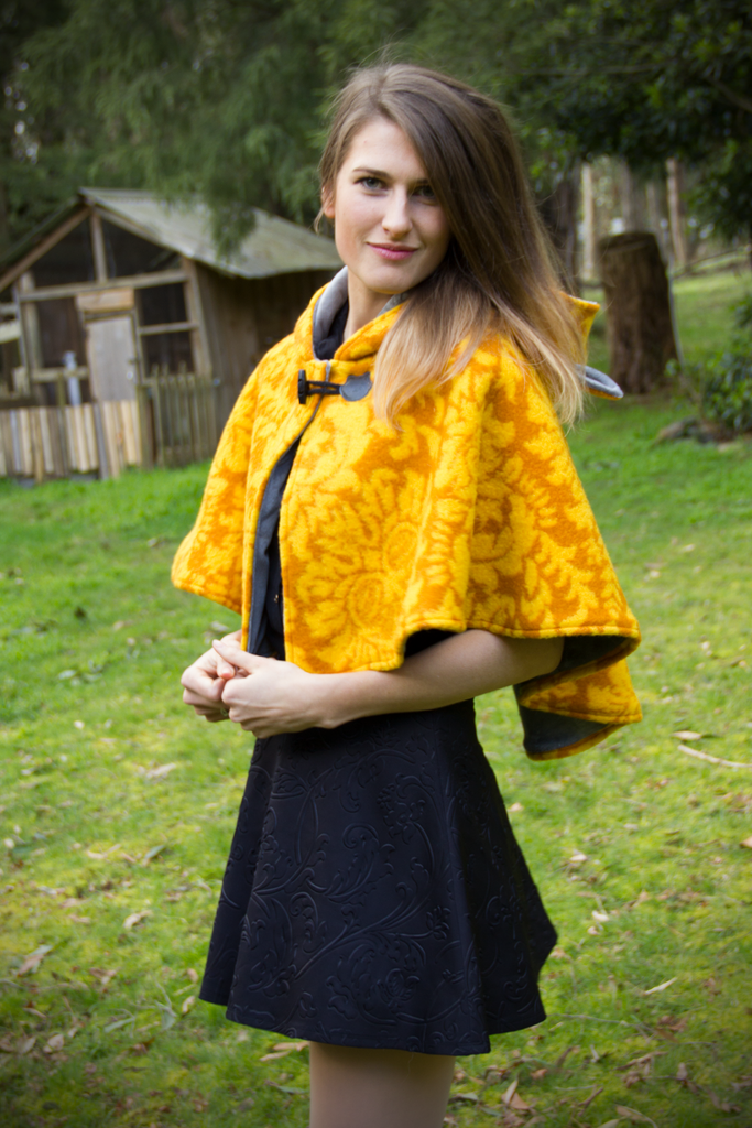 Vintage Fox Capelet (YLLW&LTGRY) - Button Fox