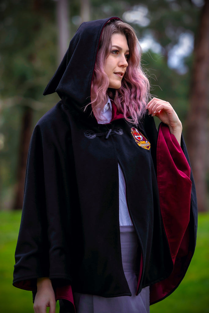 Gryffindur Cape - Button Fox