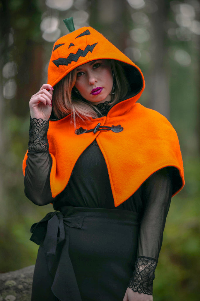 Jack 'o' Lantern Cape - Button Fox