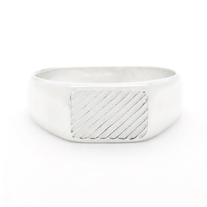 handmade signet ring in vintage style with diagonal pattern
