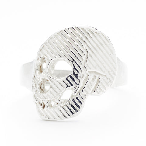 Memento Mori Skull Ring in Silver