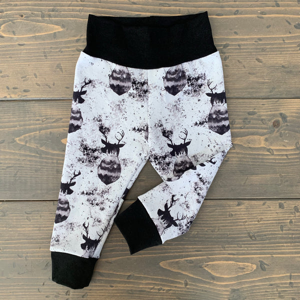 6-12m Leggings {monochrome bucks}