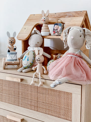 Wooden Sitting Rabbit - Willow