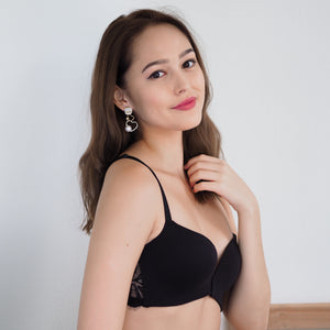 Like a Charm! Front Clasps Wireless Push Up Bra