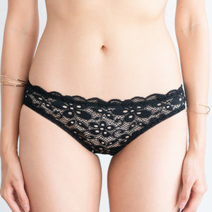 Tangle in Lace! Comfy Cheeky in Black